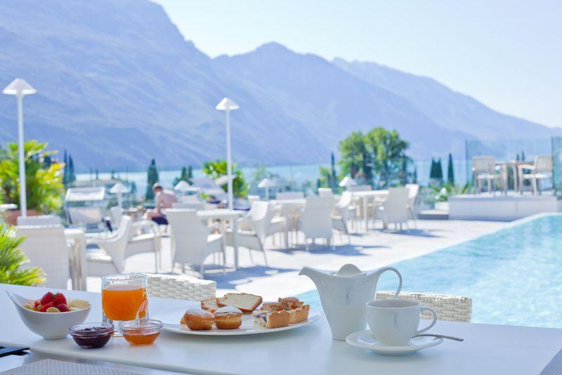 Risultati immagini per Hotel Kristal Lago di Garda